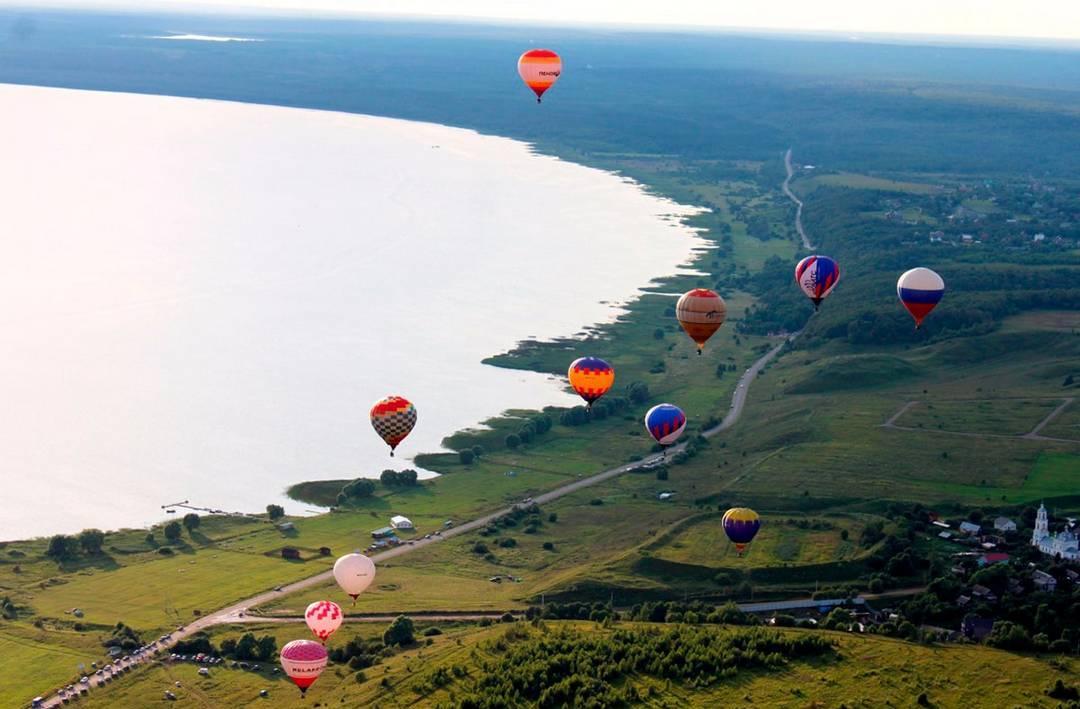 Плещеево озеро воздушные шары